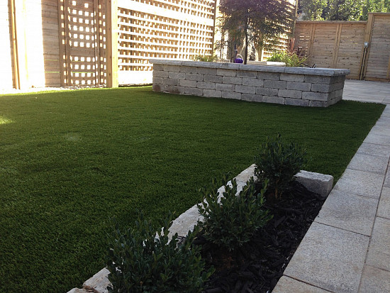 Artificial Grass Lawn In Niagara